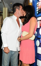 simon-cowell-lauren-silverman-kiss-951x1024