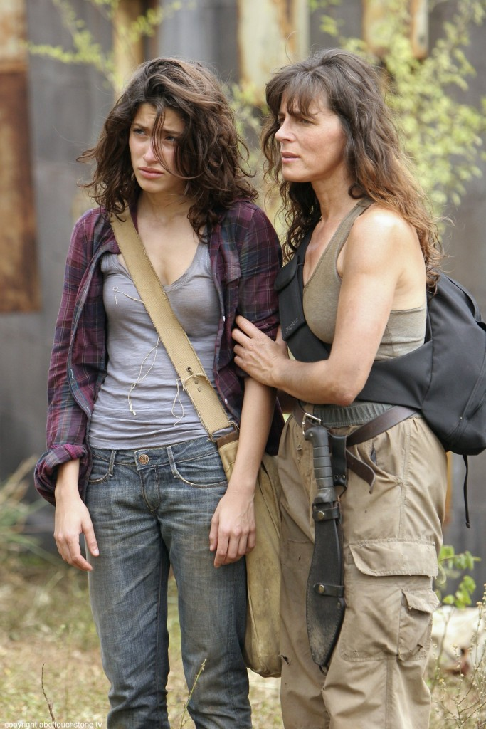 "LOST - ""Through the Looking Glass"" - Jack and the castaways begin their efforts to make contact with Naomi's rescue ship, on the season finale of ""Lost,"" WEDNESDAY, MAY 23 (9:00-11:00 p.m., ET), on the ABC Television Network. (ABC/MARIO PEREZ)TANIA RAYMONDE, MIRA FURLAN"