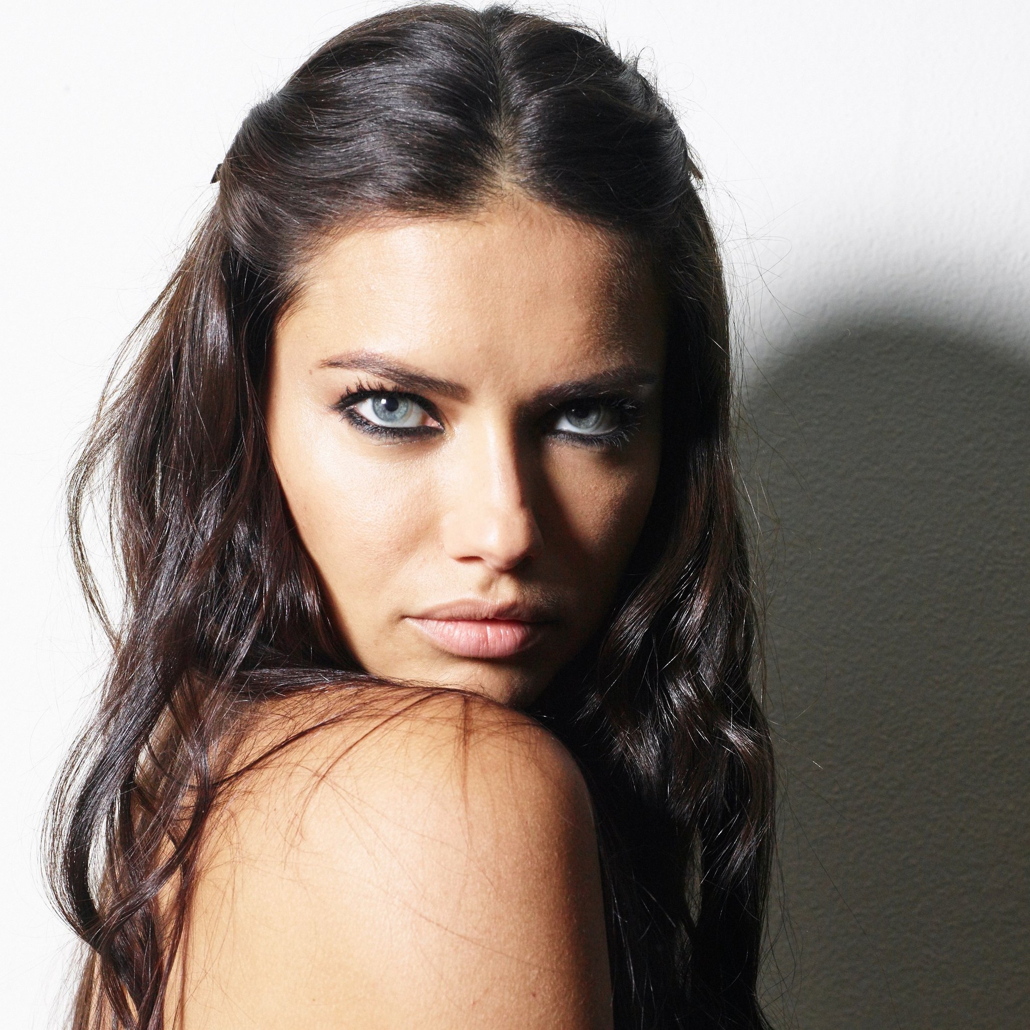 Adriana Lima Different Looks Azra Magazin