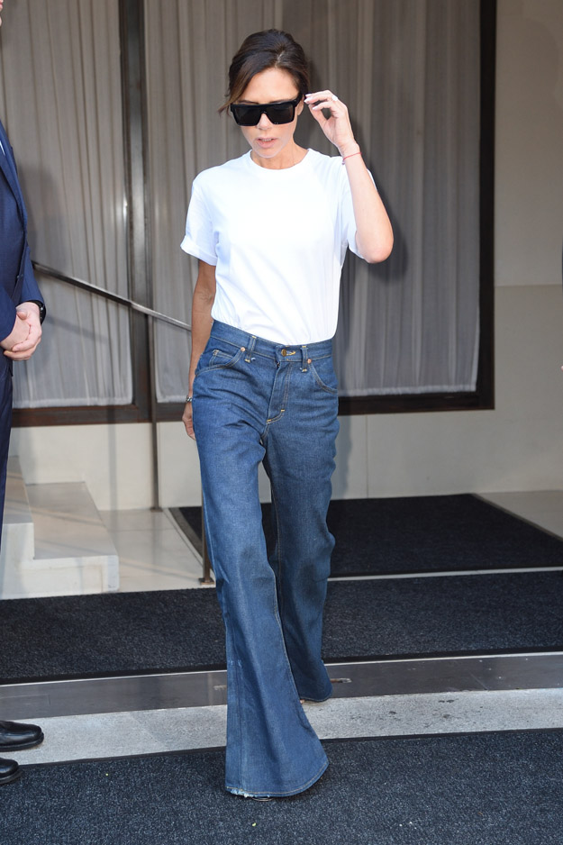 Victoria Beckham leaves her hotel in NYC. Pictured: Victoria Beckham Ref: SPL1570368  070917   Picture by: Ron Asadorian / Splash News Splash News and Pictures Los Angeles:310-821-2666 New York:212-619-2666 London:870-934-2666 photodesk@splashnews.com