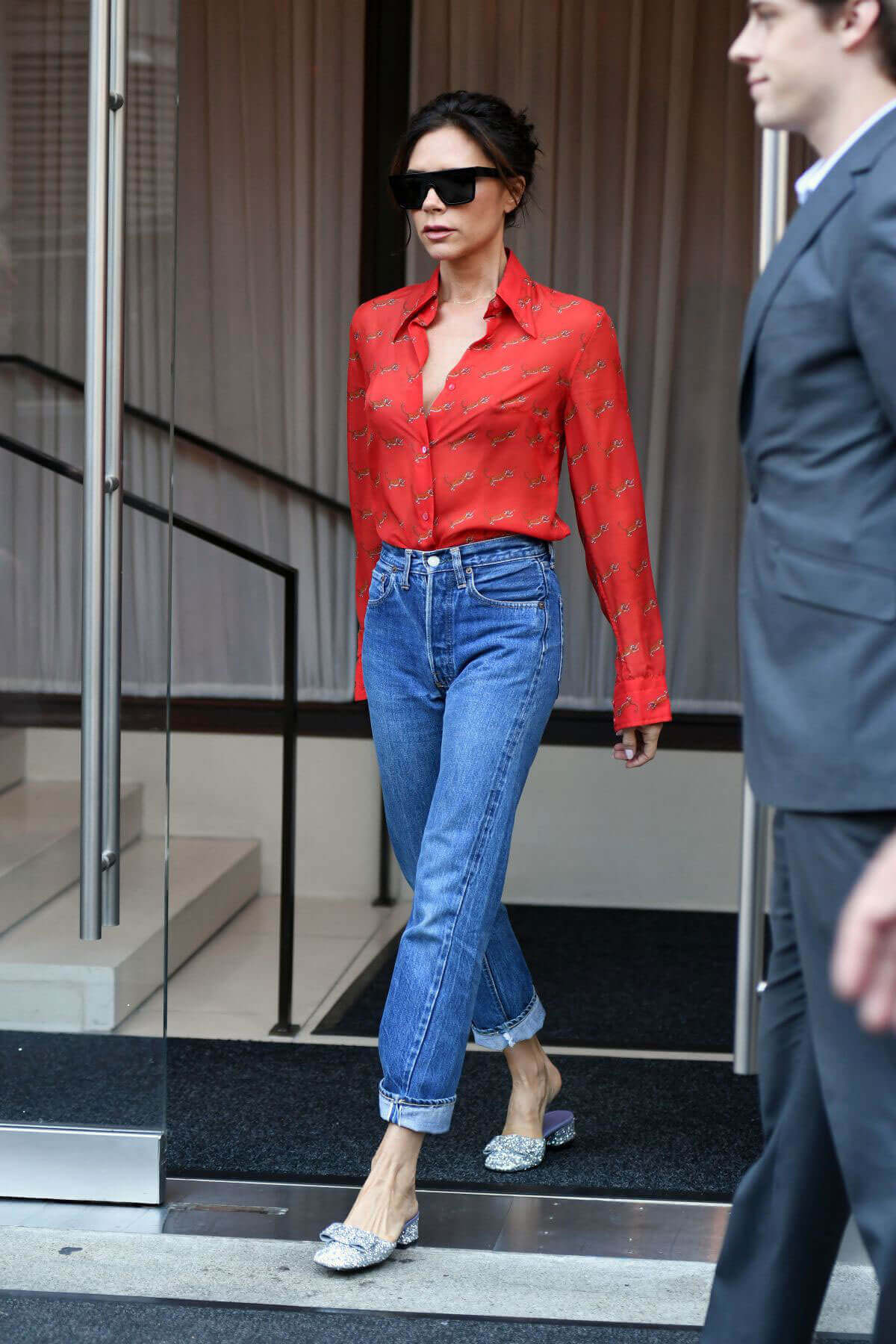how to wear red jeans 2017