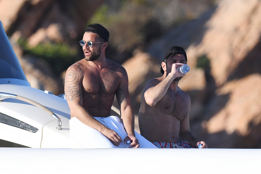 Ricky martin topless — pic 5